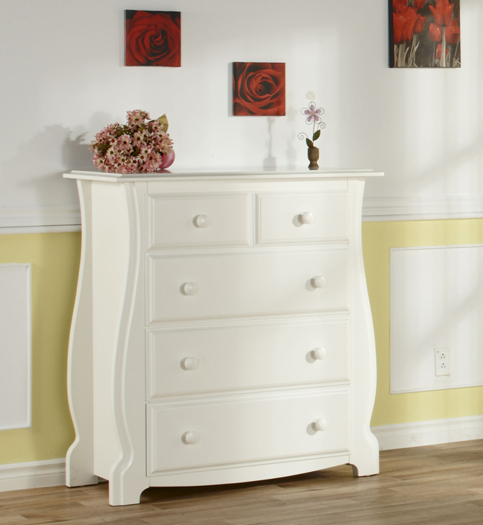 The 1904 <b>Bergamo 4-Drawer Dresser</b> in White: The new reference in style!