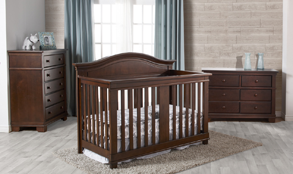 Biella Forever Crib, the perfect complement to the Torino Collection.