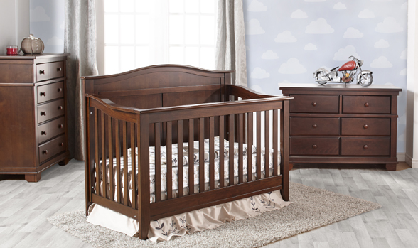 Introducing the Napoli Forever Crib, a great and affordable addition to our Torino Collection.