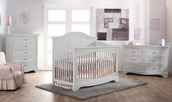 The <b>Enna Forever Crib</b> is a sweet and stylish piece that coordinates nicely with the Ragusa, Marina, Modena and Torino Collections.